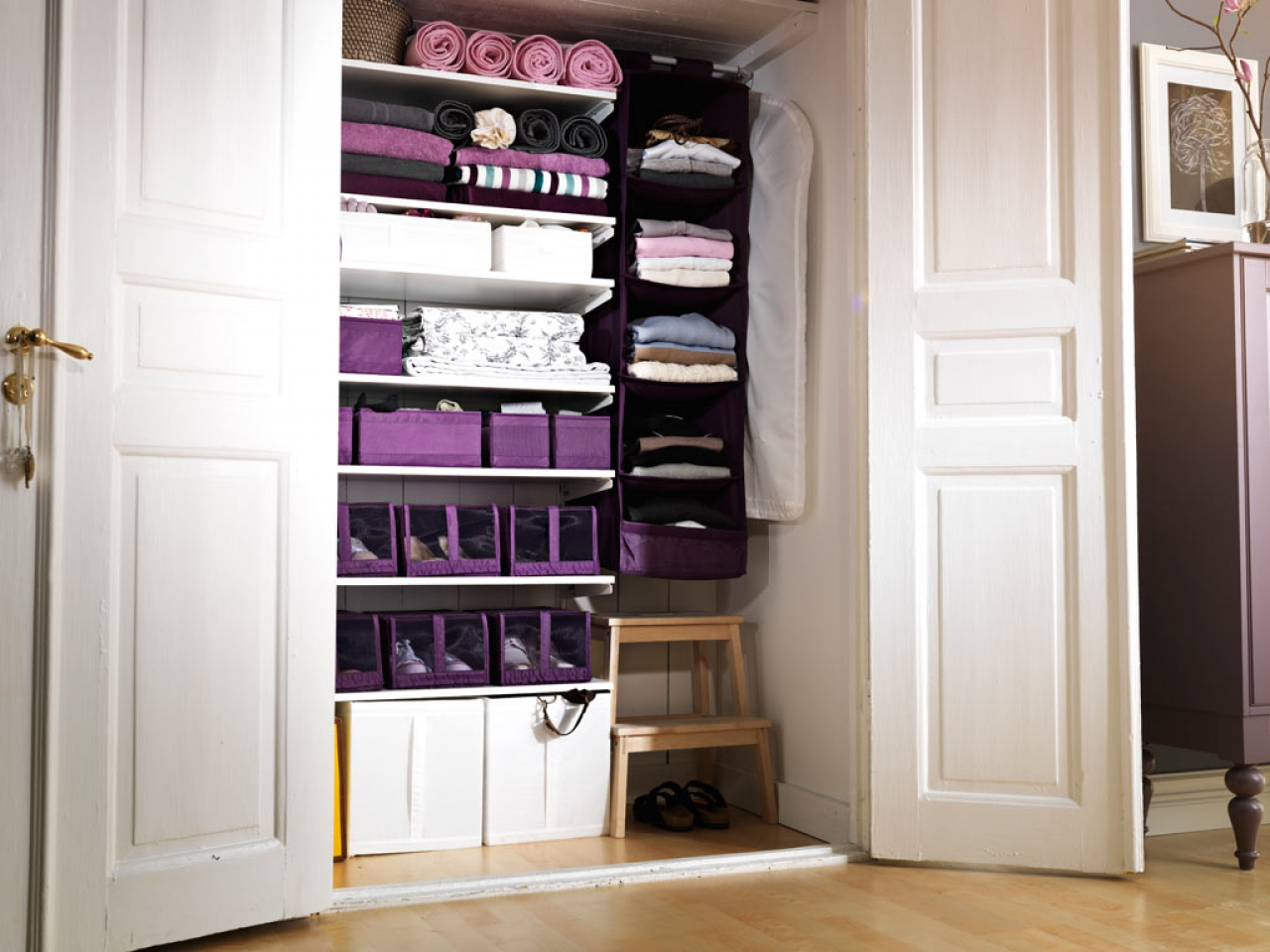 http://www.nanobuffet.com/size/1280x960/server22-cdn/2016/04/29/wardrobe-storage-ideas-from-hats-to-heels-sbf-wood-storage-ideas-fd512a0d3cdb5630.jpg