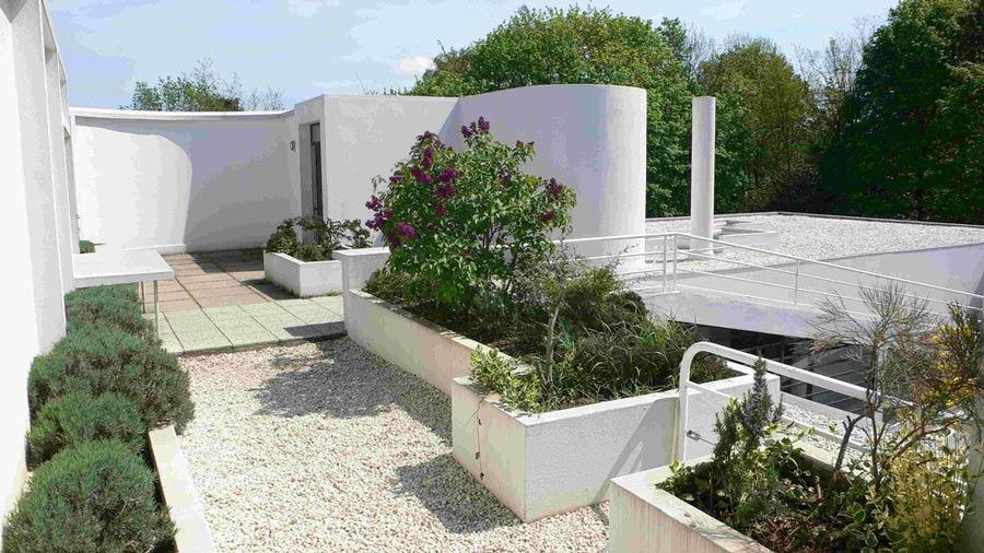 Interni Di Villa Savoye : Villa savoye le corbusier youtube