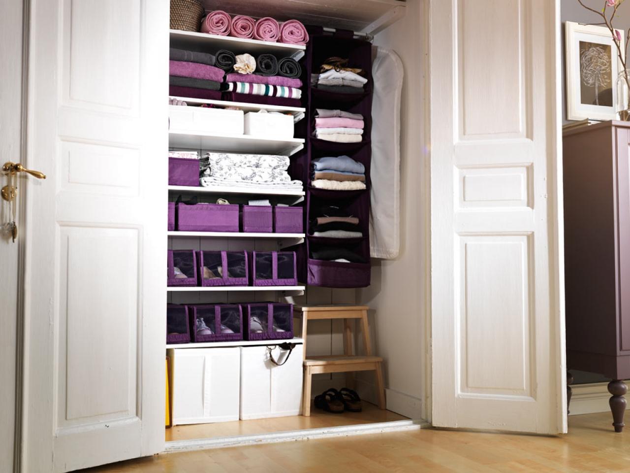 http://www.nanobuffet.com/size/1280x960/server22-cdn/2016/04/29/wardrobe-storage-ideas-from-hats-to-heels-sbf-wood-storage-ideas-fd512a0d3cdb5630.jpg