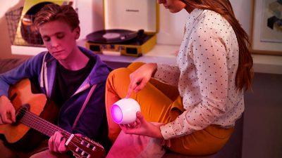 Come illuminare il soggiorno con Philips Lighting